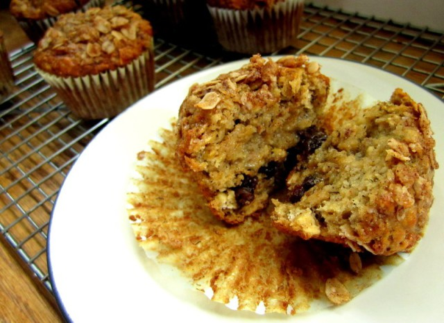 oatmeal raisin banana muffins4