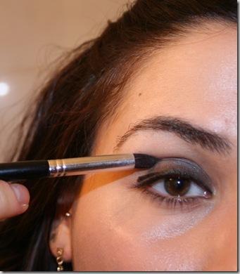 eyeshadow to crease