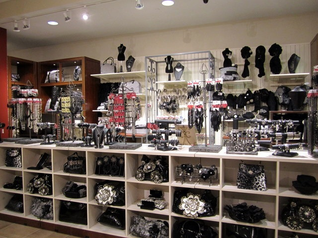 Jewelry & Accessories Fine Jewelry In order to use all of the site functionality on the Saks Fifth Avenue website, you must have JavaScript enabled on your browser.