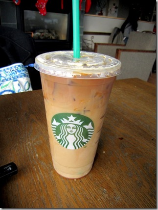 80 calories of Starbuck's Iced Skinny Vanilla Latte - Grande, (1 serving) 33 calories of Starbuck Caramel Sauce, ( tbsp) No nutrition or calorie comments found.