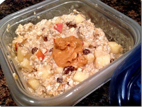 apple cinnamon raisin overnight oats