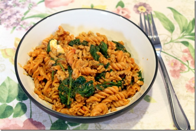 Rotini with ground turkey, spinach, and mozzarella